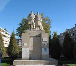 Illust : Le Monument aux morts, 31.1ko, 250x220
