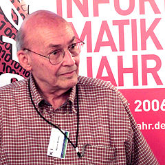 https://upload.wikimedia.org/wikipedia/commons/thumb/a/aa/Marvin_Minsky.jpg/240px-Marvin_Minsky.jpg