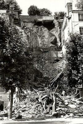 Effondrement d'un immeuble sur le cours d'Herbouville