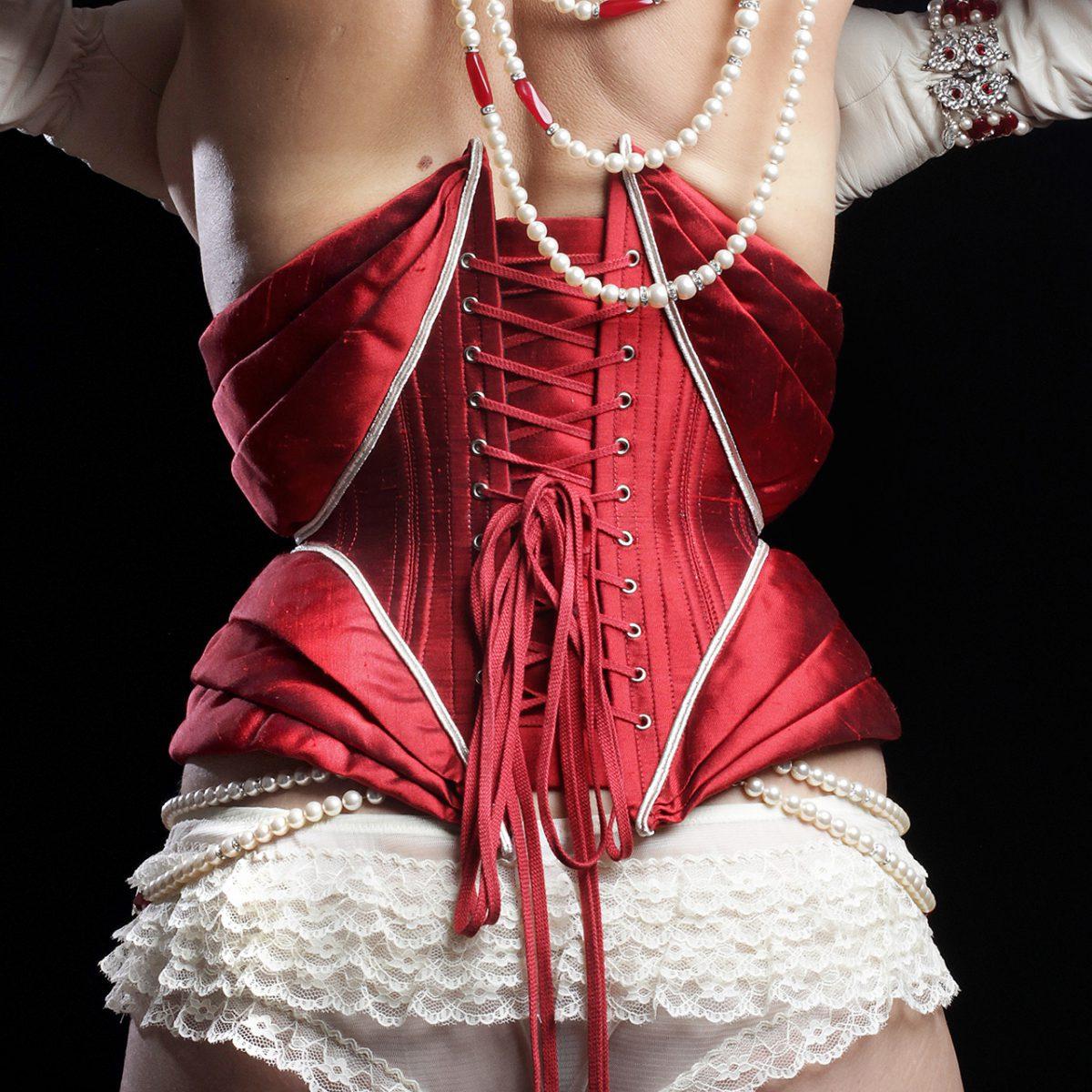 jacquette Histoire et renouveau du corset
