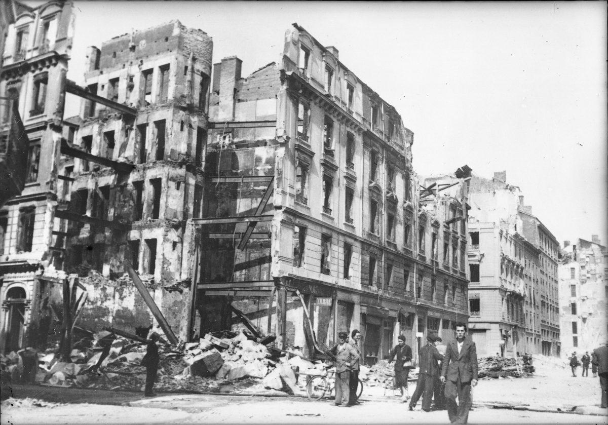 jacquette 26 mai 1944 : Lyon sous les bombes