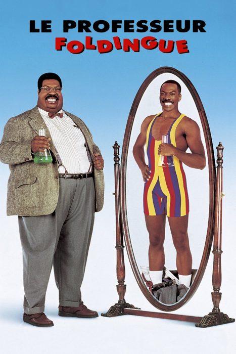 L'acteur Eddie Murphy obèse se regarde dans un miroir où il apparait svelte et musclé