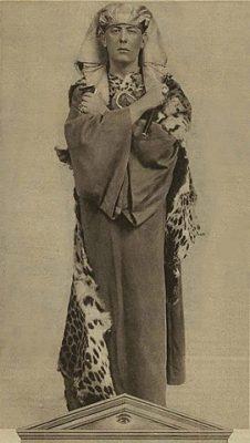 portrait d'Aleister Crowley en Osiris