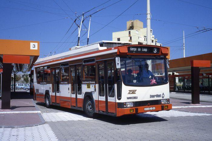 Trolleybus ER 100