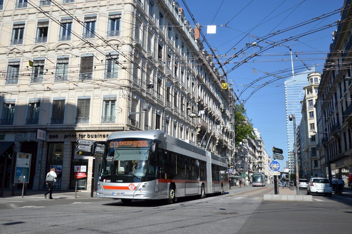 jacquette Lyon, capitale du trolleybus